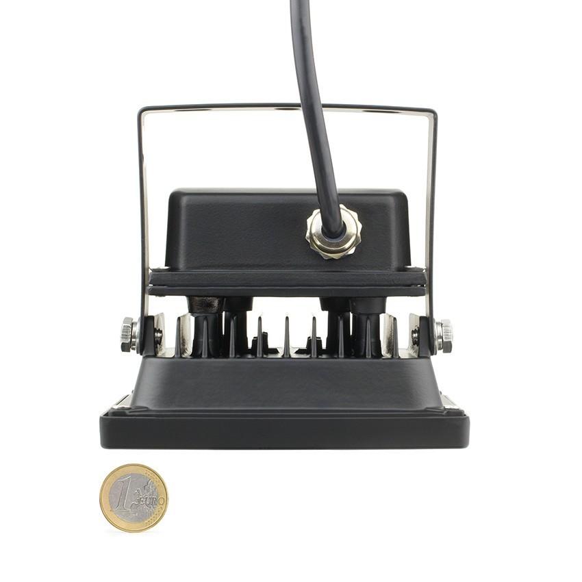 led flutlichtstrahler philips smd 10w 135lm w he pro ledkia deutschland. Black Bedroom Furniture Sets. Home Design Ideas